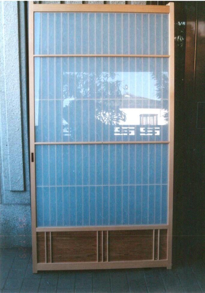 広縁x和室 腰板付縦繁ツバ付きガラス障子