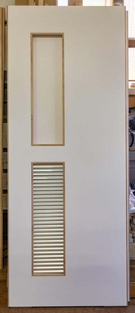 ドラッグストア改装工事トイレ開き戸新設