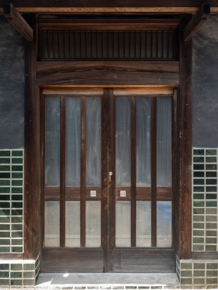岡山市北区/玄関建具調整